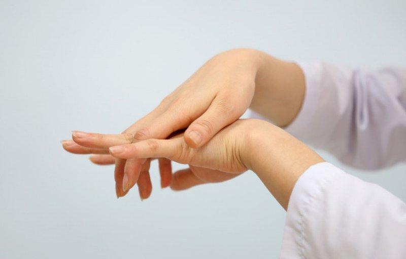 tê tay khi mang thai tháng cuối