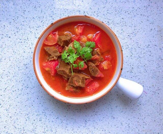 Thịt bò hầm cà chua