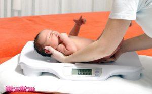 Chăm sóc con trong tuần đầu sau sinh thế nào cho đúng?